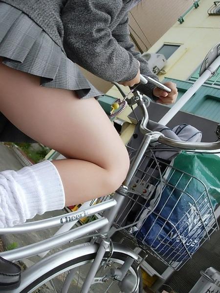 日本女子给我舔大鸡吧_宅男福利!真实街拍日本女子高校生各种制服黑丝