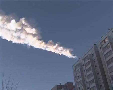俄罗斯陨石雨造成近500人受伤 民众以为战争爆发