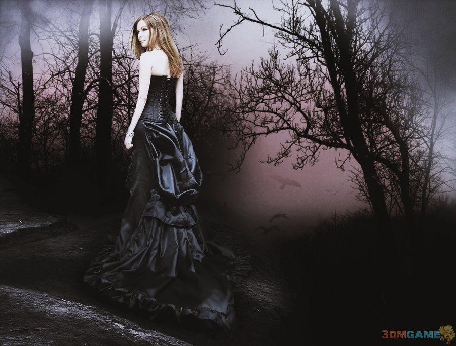 气质美女演绎独一无二的黑暗哥特风