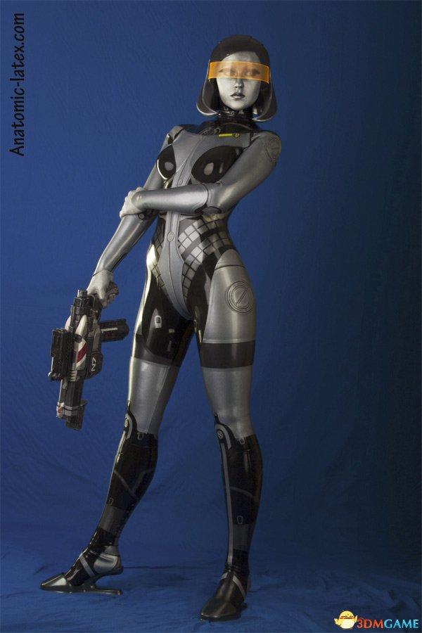 前凸后翘机器人 这才是完美的《质量效应》cosplay