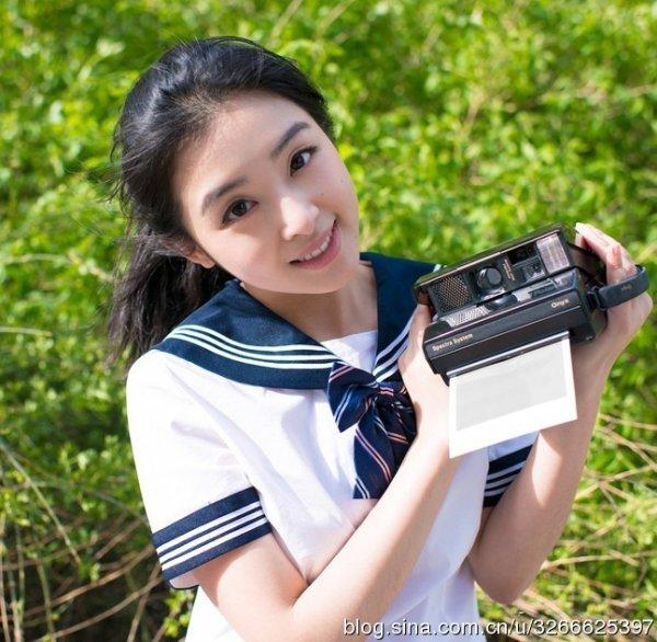 张含韵   童星徐娇因与干爹周星驰主演的电影《长江七号》高清图片