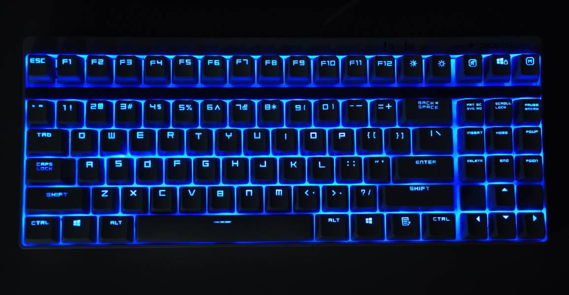 轴机械键盘,对轴体和键盘结构都进行了加固与优化