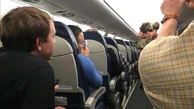 女子带猪上飞机被拒 机组人员:猪未经训练不安全