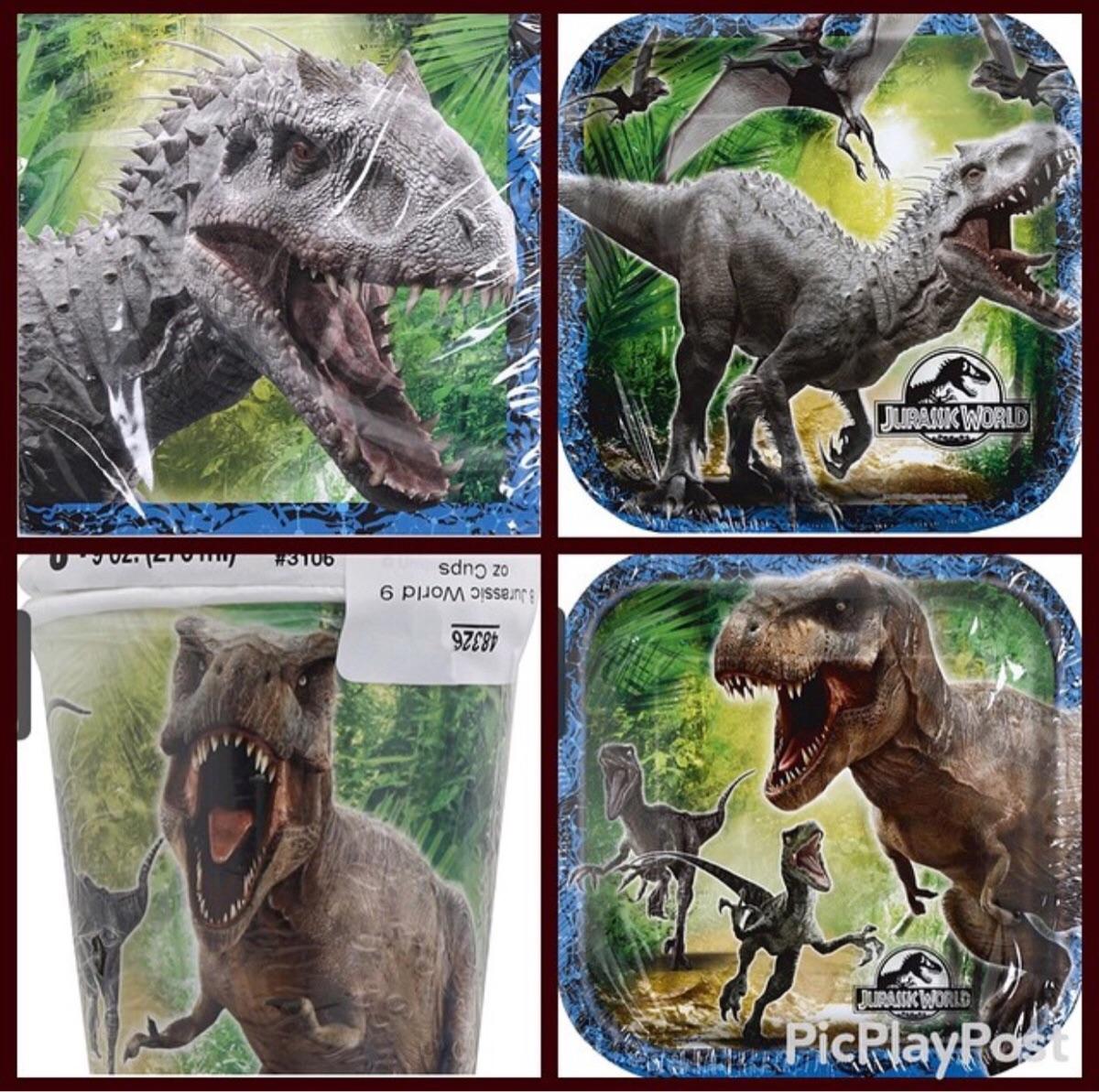 《侏罗纪世界》由Colin Trevorrow导演,预计在2015年6月12日上映,高清的预告片已被放出。近日,一张宣传画曝光,在其中,我们终于可以看到影片真正的主角,基因改造版雷克斯的最终形象。  图片上还有其他种类的恐龙,包括迅猛龙、翼手龙、T-REX(雷克斯暴龙)等,不过主角是基因改造版的D-REX(又名Indominus Rex),图片一分为四,上面的两张是D-REX,下面的两张是T-REX。 通过对比我们发现,D-REX的前肢非常有力,不像T-REX前肢那样只是摆设,或许D-REX身上会有迅猛龙
