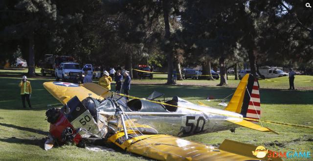 好莱坞老牌男星哈里森·福特不幸坠机