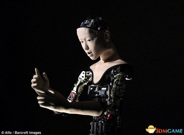 日本仿生機器人畫風詭異:介乎呆板與人類的中央生物
