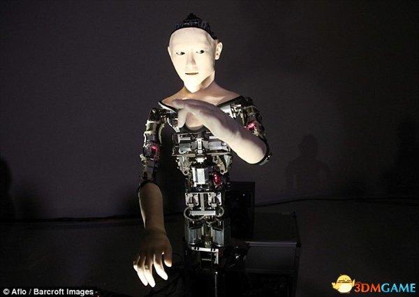 日本仿生機器人畫風詭異 介乎呆板與人類中央生物