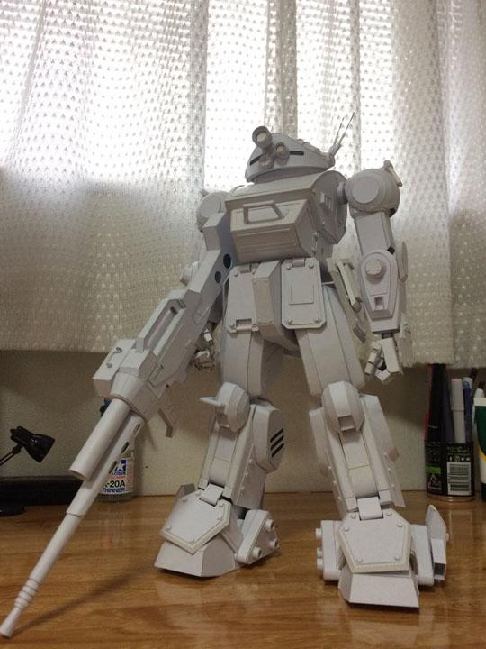 用纸手工制作了装甲骑兵机甲,逼真度和可动性让众多网友惊呆,不少人